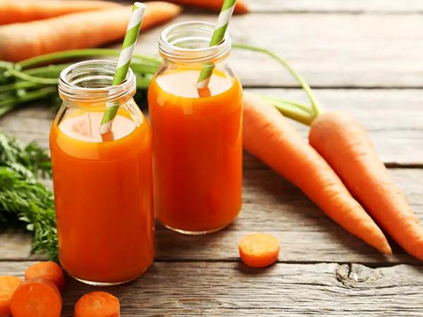 Cách làm sinh cà rốt cho bé