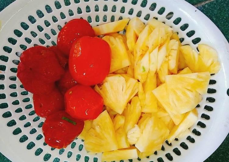 Cách làm sinh tố thơm cà chua và chuối