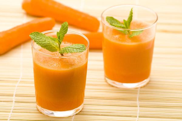 Cách làm và xay sinh tố cà rốt kết hợp giúp giảm cân, đẹp da bằng máy