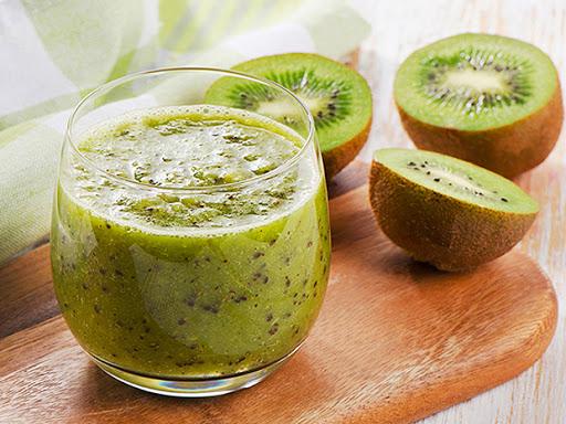 Cách sử dụng sinh tố kiwi đúng cách