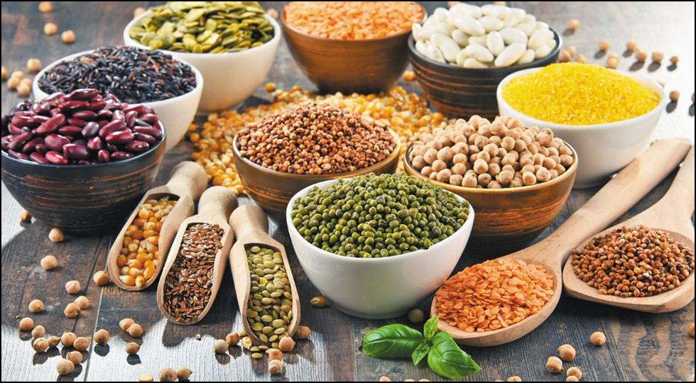Chuẩn bị nguyên liệu để làm ngũ cốc dinh dưỡng cho bé